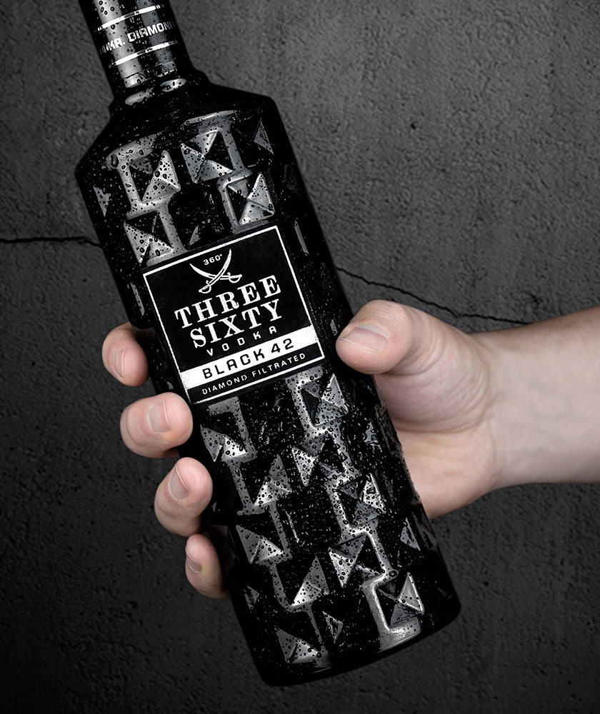 THREE SIXTY VODKA BLACK 42